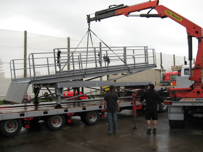 Crane Truck lifting Container Loading Ramp
